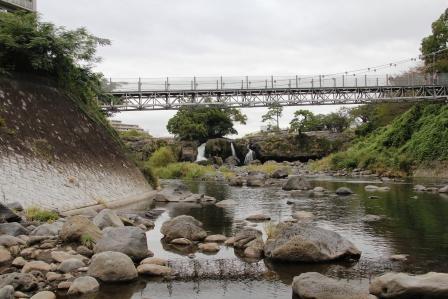 鮎壺の滝遠景_H25.10.05撮影