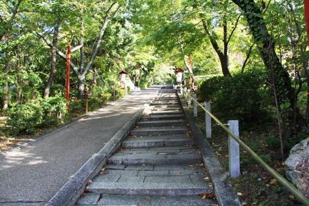 粟田神社・石段_H25.10.12撮影