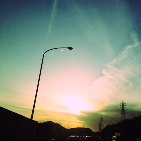 夕焼け 高速道路 ハイウェイ 画像