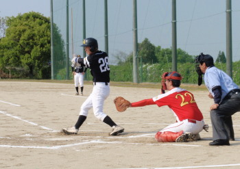 P42801271回表和泉遊内野安打で出塁