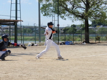 P6160253井上2点本塁打