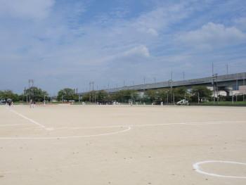 P9150053宇土市運動公園後方は九州新幹線