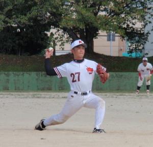 P9150095西本投手ナイツ