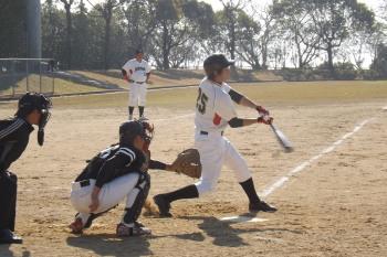 DSCF3778代打の切り札も投ゴロで一塁ベースにタックルるするもゲーム