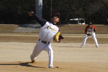 DSCF3794カネムラエコワークス先発投手右は田尻二塁手(女子ソフトボール出身)