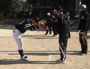 DSCF3853優勝カップを受け取る和泉選手