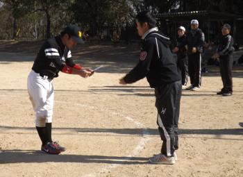 DSCF3854優勝賞金を受け取る山崎選手