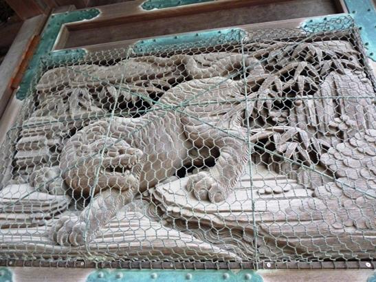 二天門の彫刻1