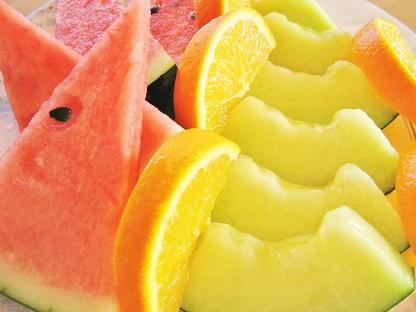 食べ放題風フルーツの盛り合わせ