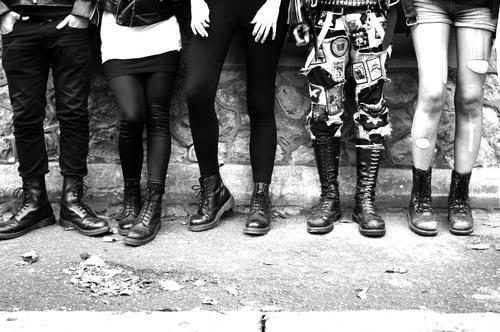 black-and-white-doc-martens-legs-punk-shoes-Favim_com-78085.jpg