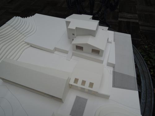 山の家プロジェクトとグエル邸