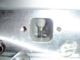 302エンジンアルミヘッド排気ポート