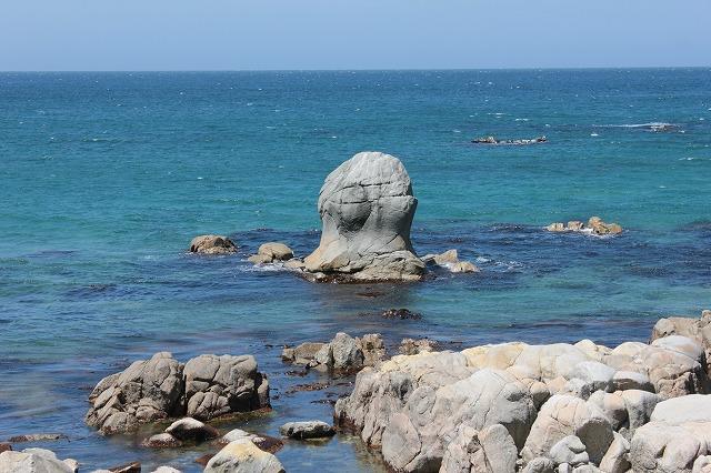 16モッ立岩