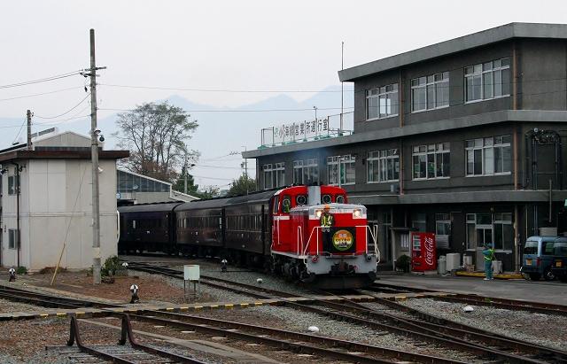 ②中込駅旧型客車
