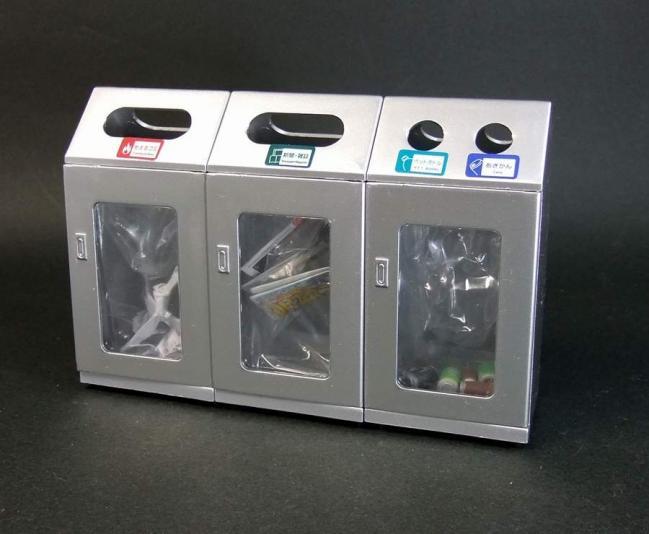駅のゴミ箱3