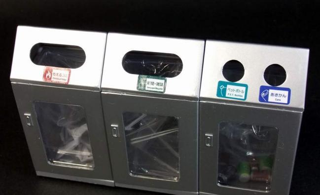 駅のゴミ箱4