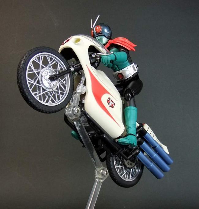 サイクロン12