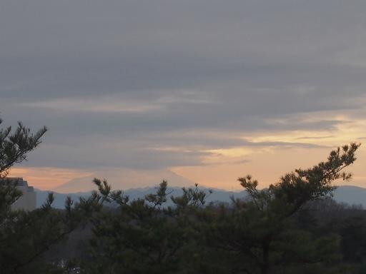 20140211・雪散歩空05(富士山が見えてきた)