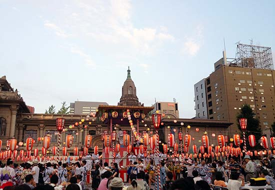 築地本願寺盆踊り1