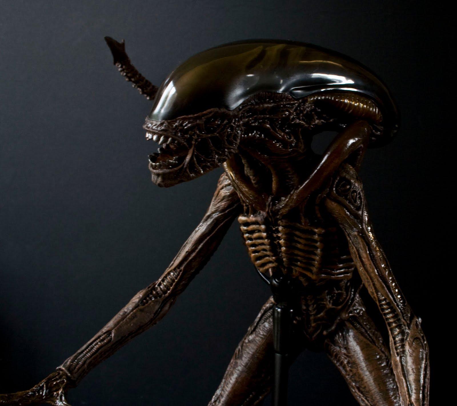 Alien-pose-8.jpg