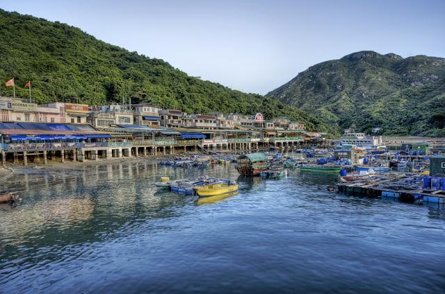 Hong-Kong-Lamma-Island.jpg