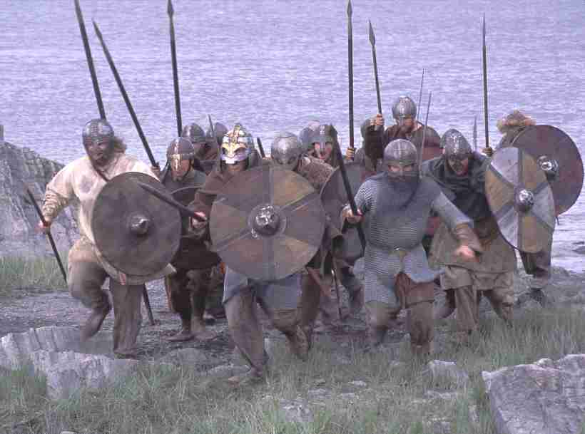 viking_raiding_party_landing.jpg