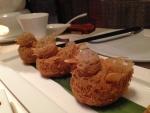 アヒル型のタロ芋パイ