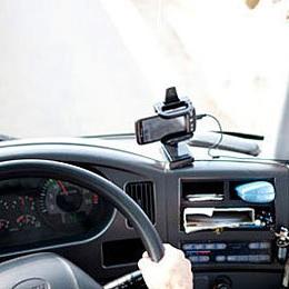 トラックに付けるドライブレコーダー