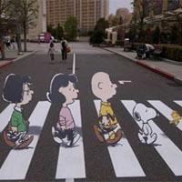 トリックアートが描かれた横断歩道
