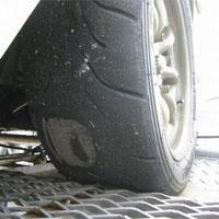 フラットスポットが出来たタイヤ