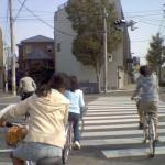 横断歩道の小学生