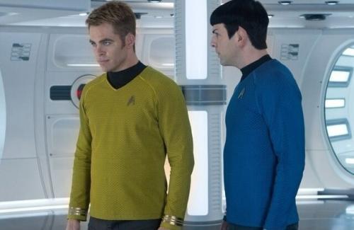 若いカーク船長とMr.スポック