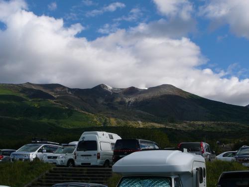 十勝岳山頂は雲の中でした。