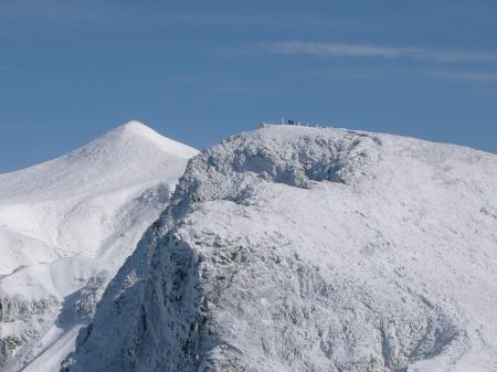 お隣の上ホロカメットク山頂に先行者。
