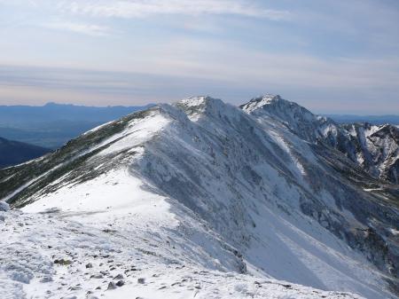 まずは、三峰山を目指します。