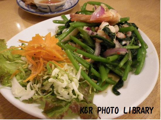 空芯菜のサラダ