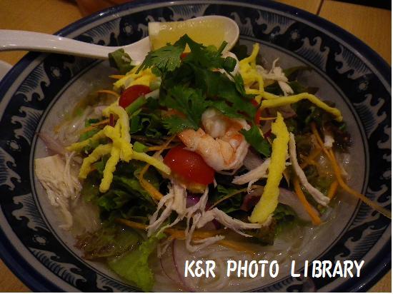 冷やしトムヤムサラダ麺