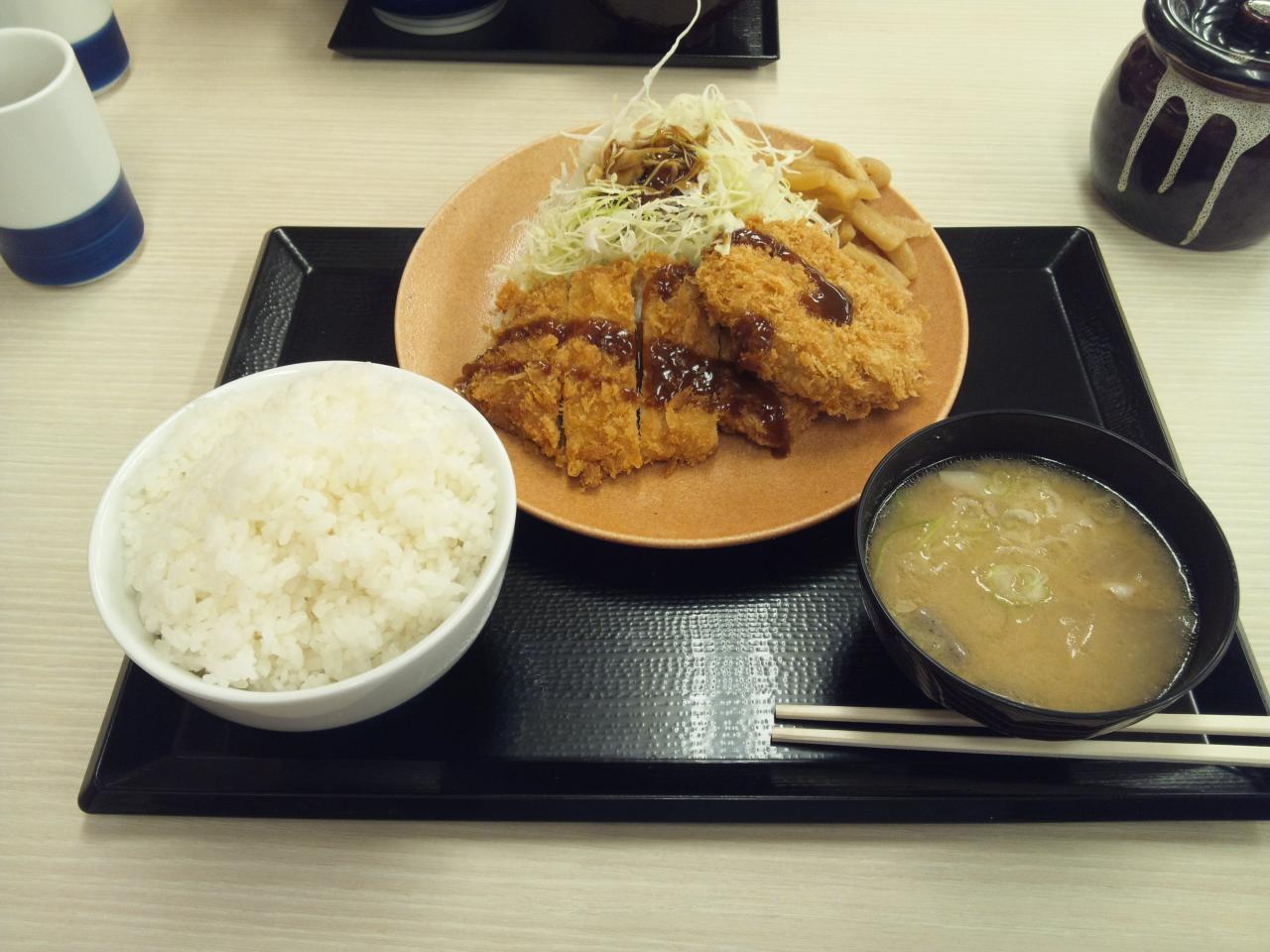 かつや川崎梶ヶ谷店(ロースメンチカツ定食)