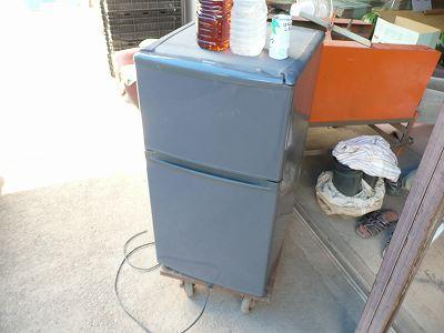 飲み物を冷やす冷蔵庫