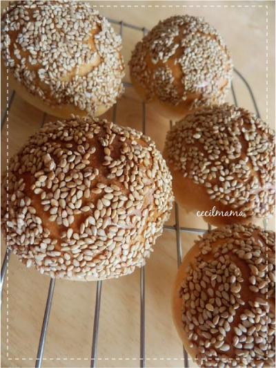 白ごまパン_2