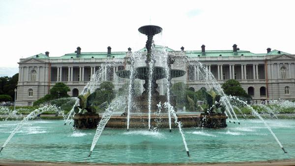 迎賓館南の噴水