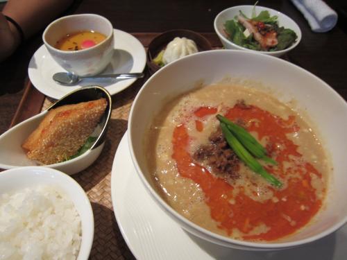 Cランチ坦々麺