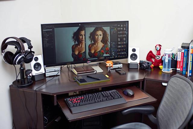 Desktop_UltlaWideMonitor2_25.jpg