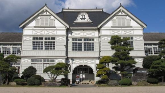 明治に建てられた校舎