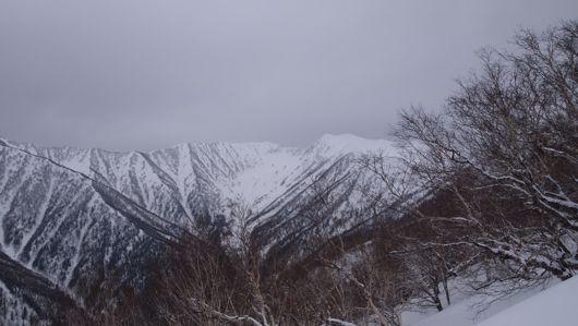 札内岳を望む