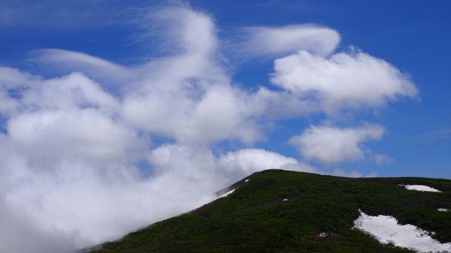 目国内岳と雲