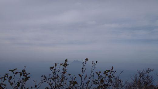 恵庭岳を望む