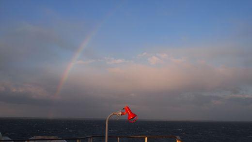 フェリーの虹