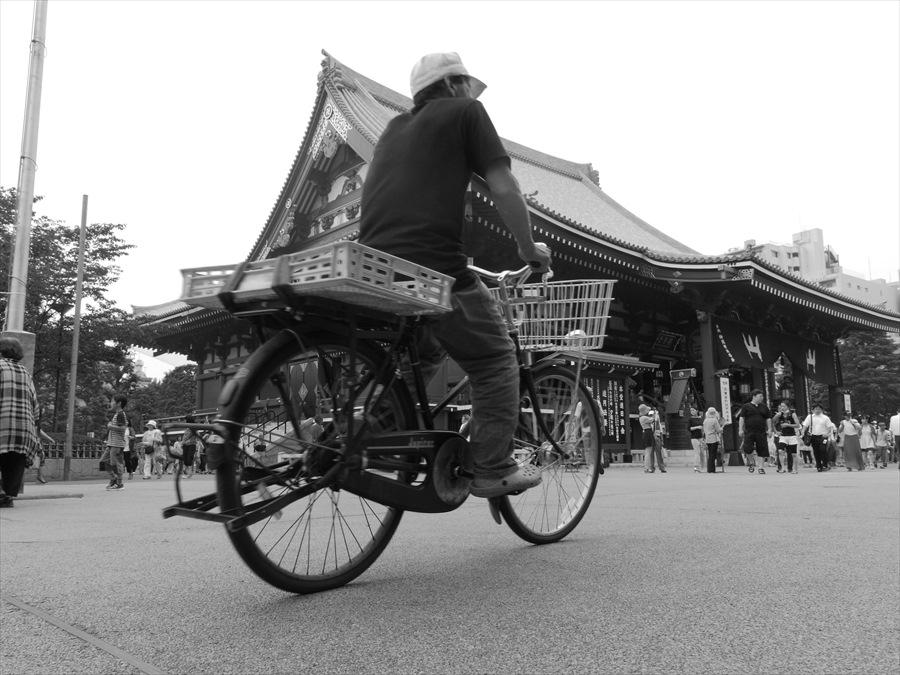 浅草情緒01浅草寺自転車01