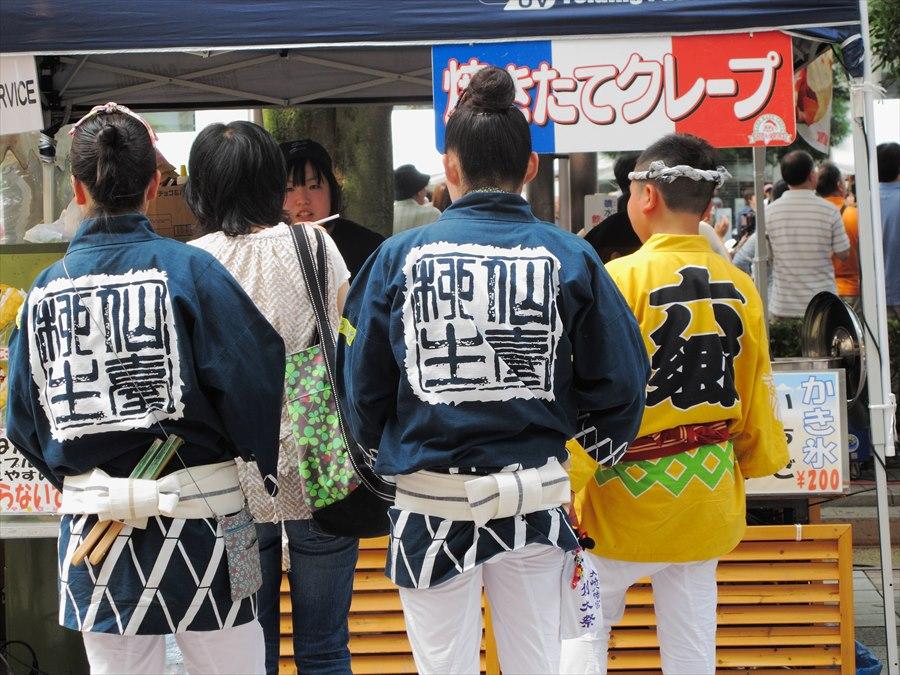 仙台東口雀踊りプロローグ番外踊りの後は食い気03
